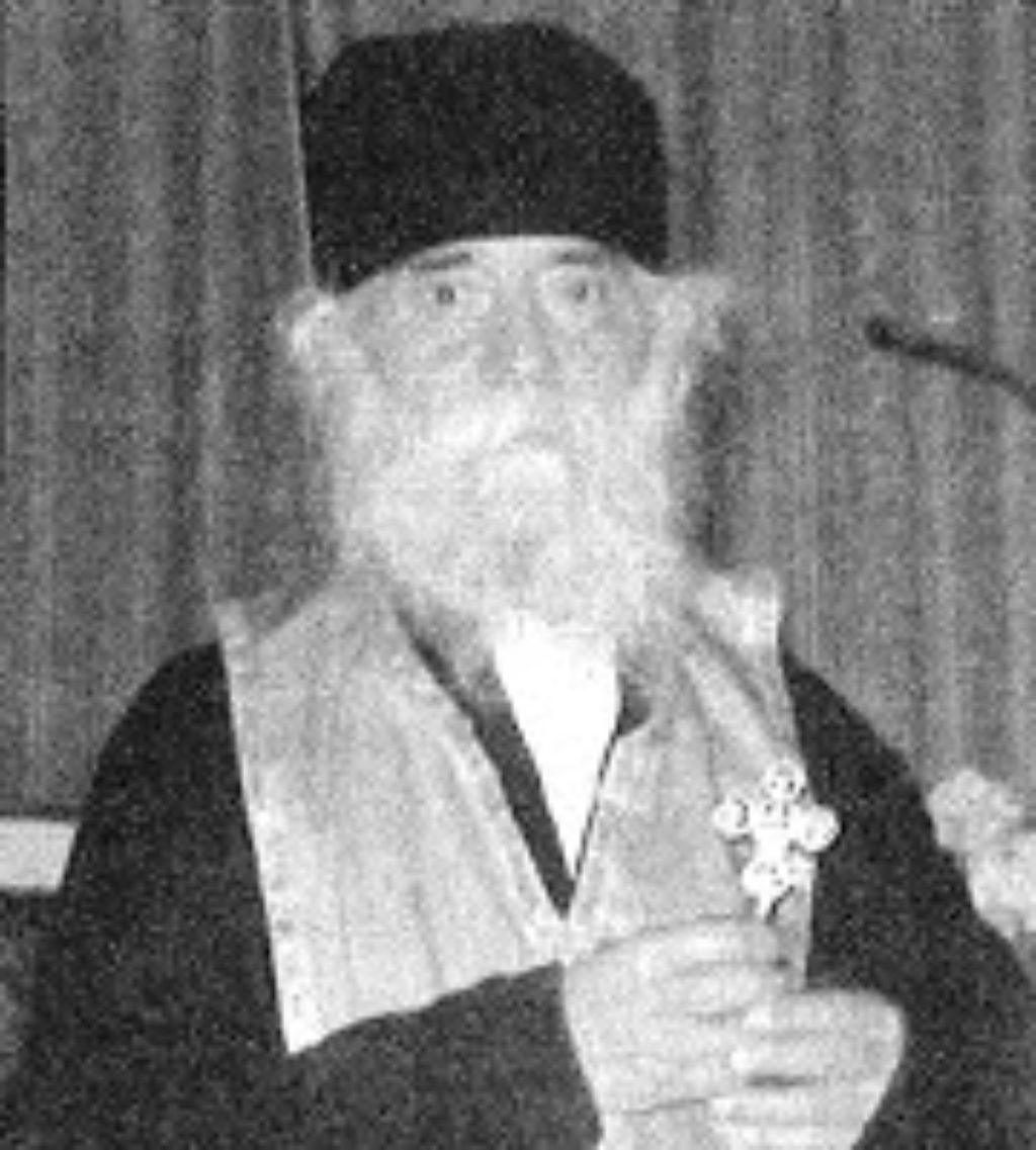 Papa-Savvas-Stavrovouniotis-01-370x1024